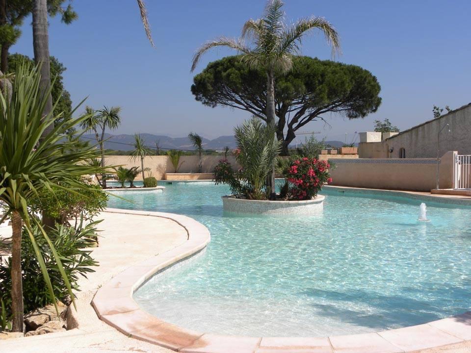 Camping 4 toiles avec piscines dans le var 83600 fr jus - Camping dans le vercors avec piscine ...